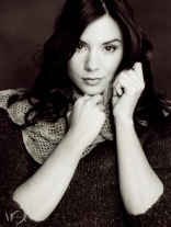Black and white pic of Kacey Barnfield lokking at the camera.