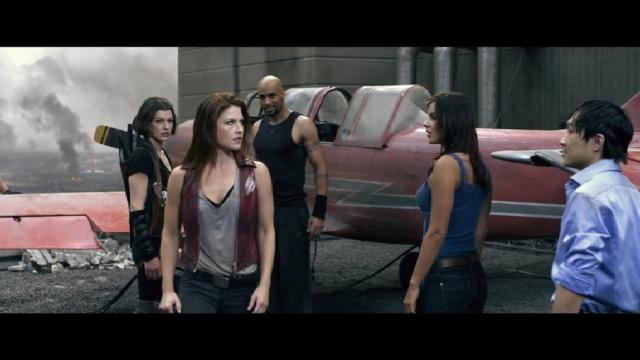 Kacey Barnfield Resident Evil Afterlife 2010 Movie Vid Caps 03 Kacey Clarke Fansite
