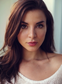 Beautiful image of Resident Evil actress Kacey Barnfield