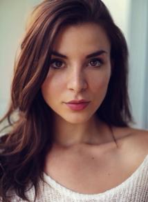 Beautiful image of Resident Evil actress Kacey Barnfield