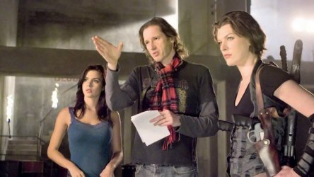 Kacey Barnfield and Milla Jovovich on set filming Resident Evil: Afterlife