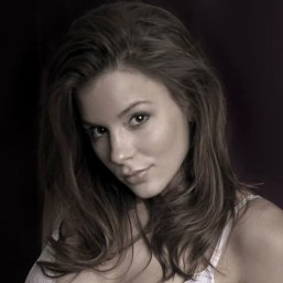 Kacey Barnfield looking gorgeous in an early head shot